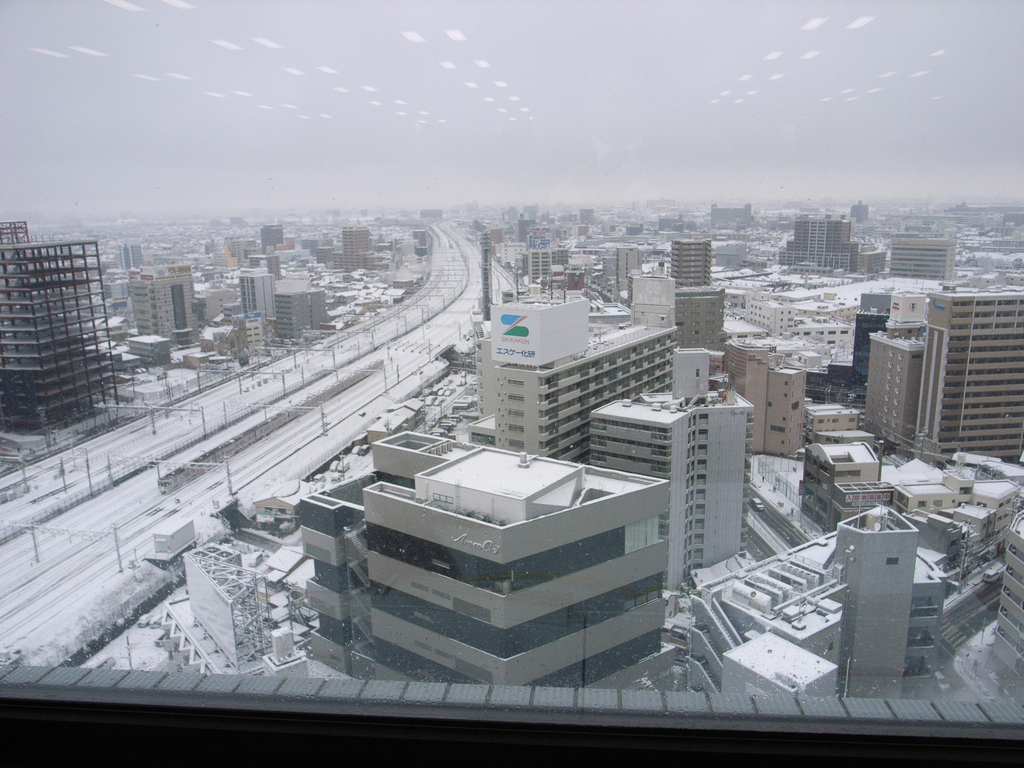 名古屋駅近くの会社から見た雪の様子